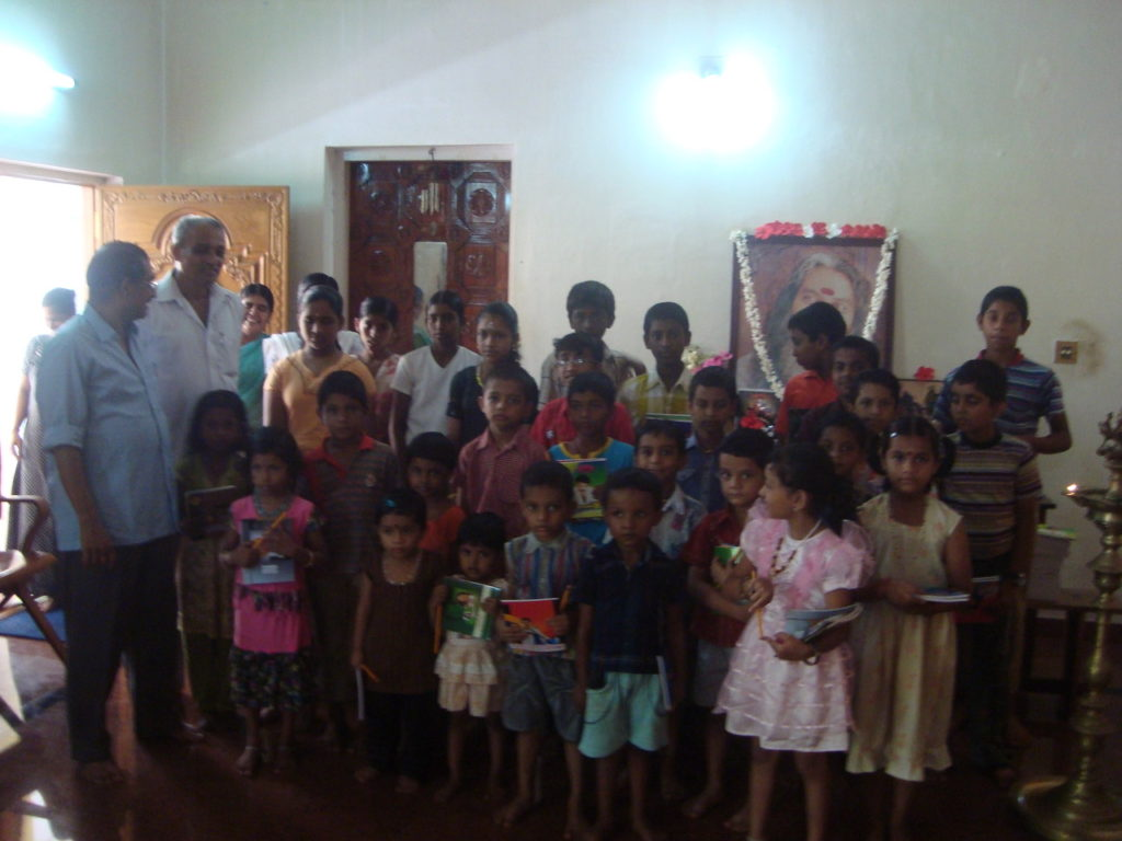 free books_pencils shanti madom ashram3